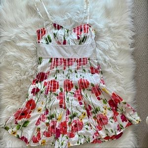 (3 for $30) Guess floral dress 🦋🤍